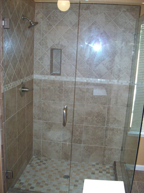 boompointer-bathroom-large